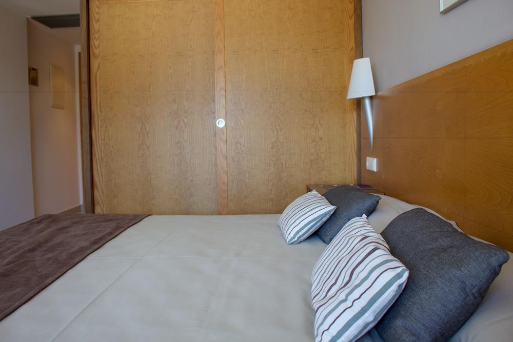 오텔 캄포 데 지브롤터(Ohtels Campo De Gibraltar) Hotel Image 20 - Guestroom