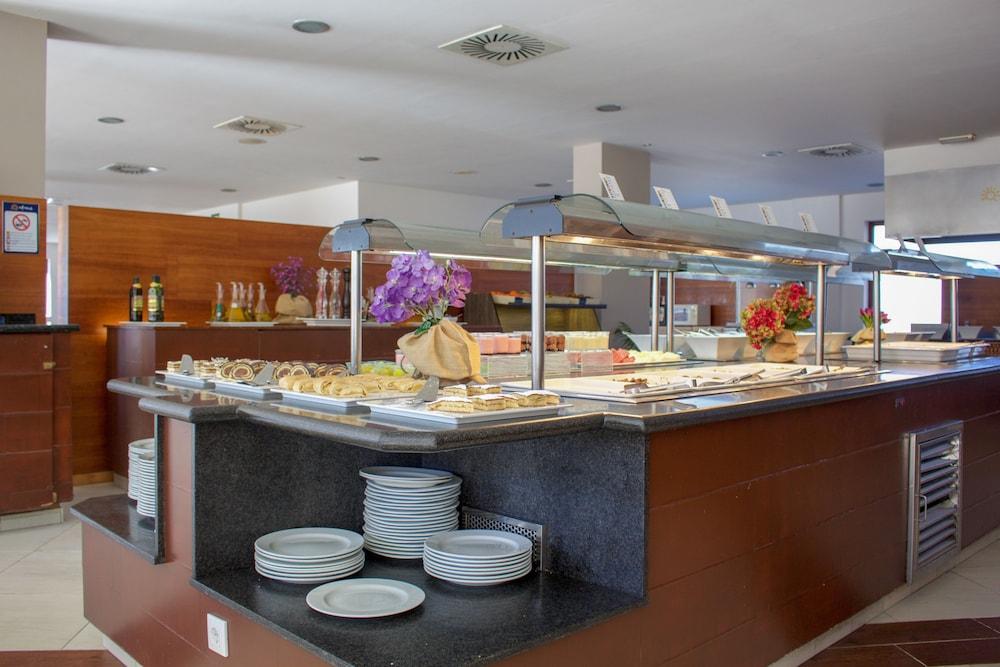 오텔 캄포 데 지브롤터(Ohtels Campo De Gibraltar) Hotel Image 44 - Breakfast Area