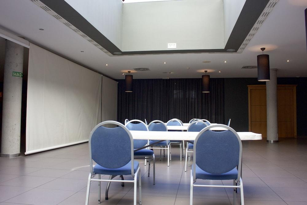 오텔 캄포 데 지브롤터(Ohtels Campo De Gibraltar) Hotel Image 53 - Meeting Facility