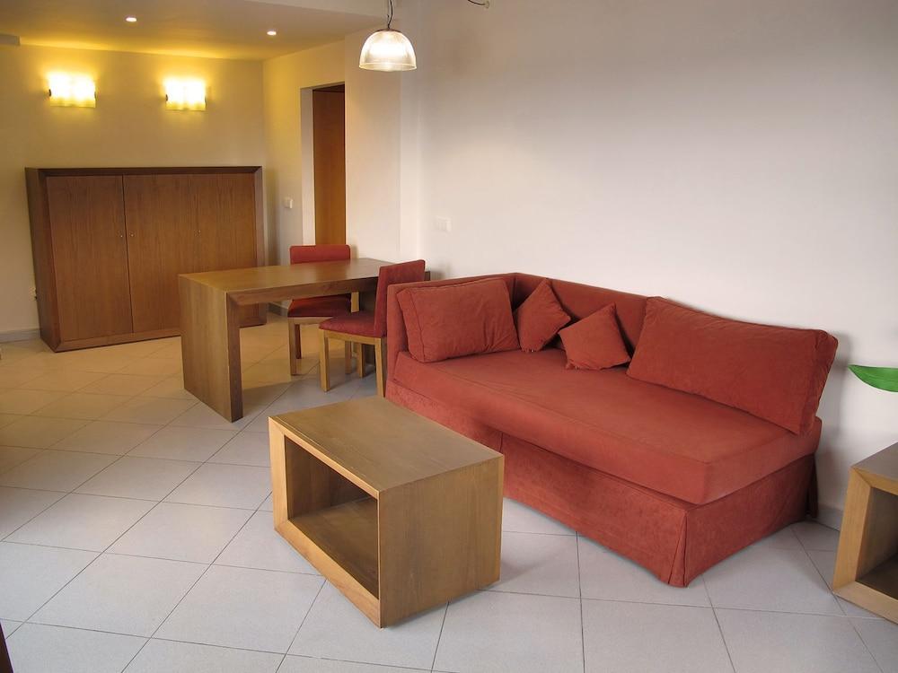 오텔 캄포 데 지브롤터(Ohtels Campo De Gibraltar) Hotel Image 14 - Guestroom