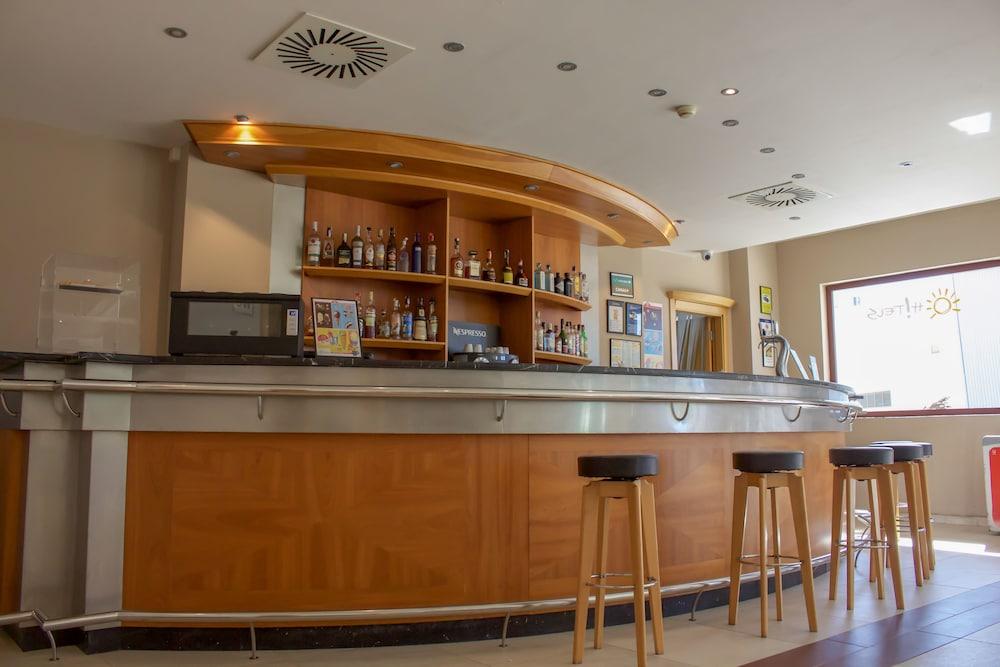 오텔 캄포 데 지브롤터(Ohtels Campo De Gibraltar) Hotel Image 51 - Hotel Bar