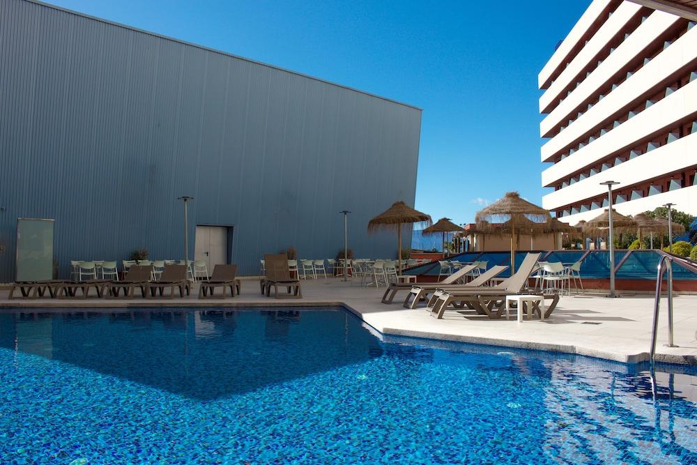 오텔 캄포 데 지브롤터(Ohtels Campo De Gibraltar) Hotel Image 37 - Outdoor Pool