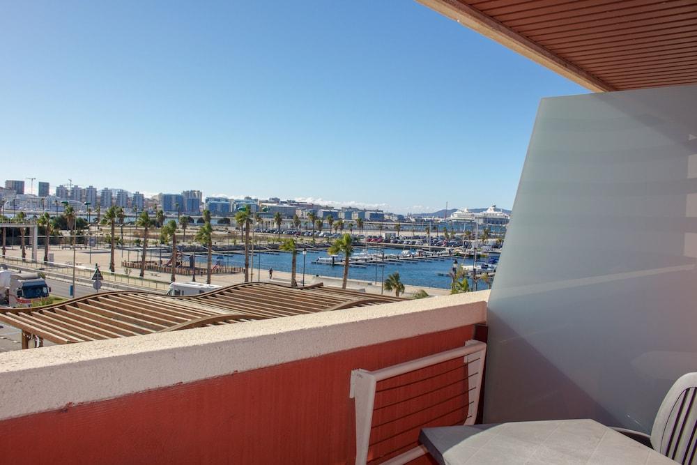 오텔 캄포 데 지브롤터(Ohtels Campo De Gibraltar) Hotel Image 27 - Balcony