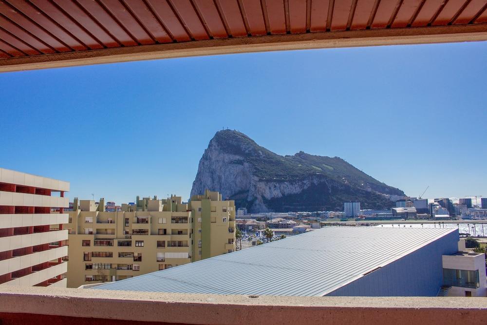 오텔 캄포 데 지브롤터(Ohtels Campo De Gibraltar) Hotel Image 5 - City View