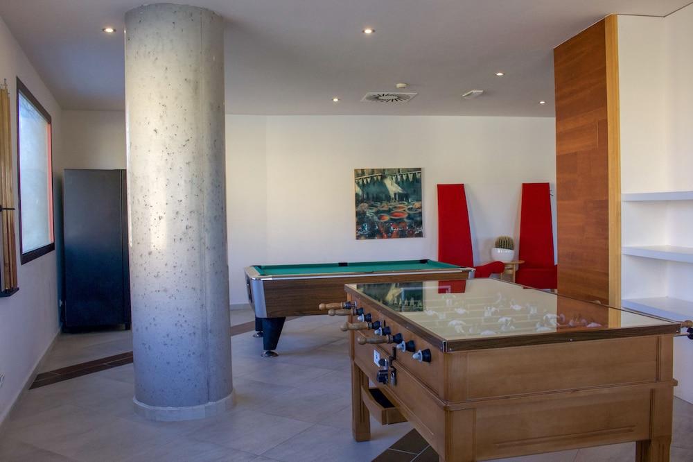 오텔 캄포 데 지브롤터(Ohtels Campo De Gibraltar) Hotel Image 38 - Game Room