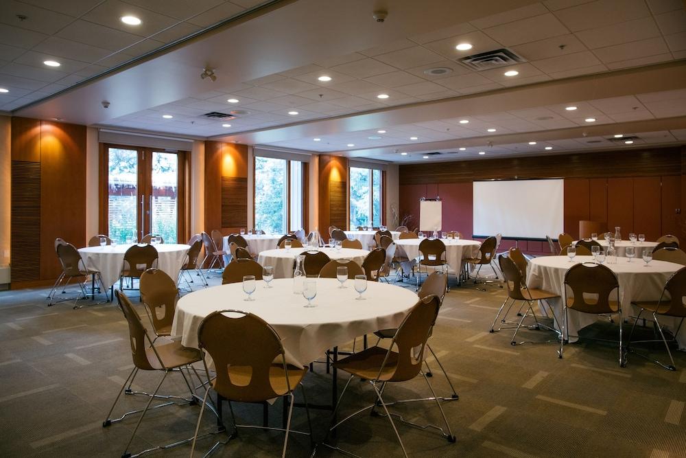 주니퍼 호텔(The Juniper Hotel) Hotel Image 68 - Meeting Facility