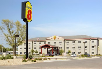 Super 8 by Wyndham Topeka at Forbes Landing photo