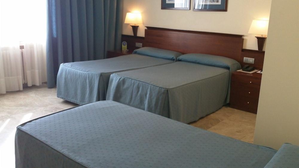 히포크라테스 쿠호텔(Hipócrates Curhotel) Hotel Image 5 - Guestroom