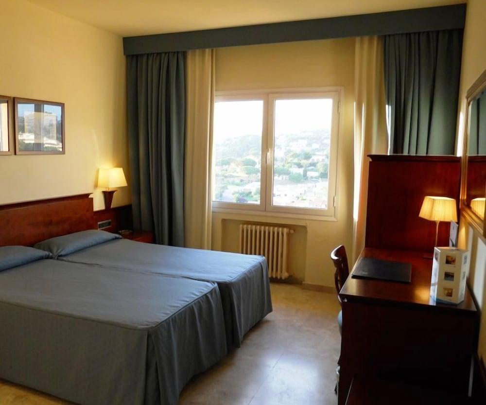 히포크라테스 쿠호텔(Hipócrates Curhotel) Hotel Image 6 - Guestroom