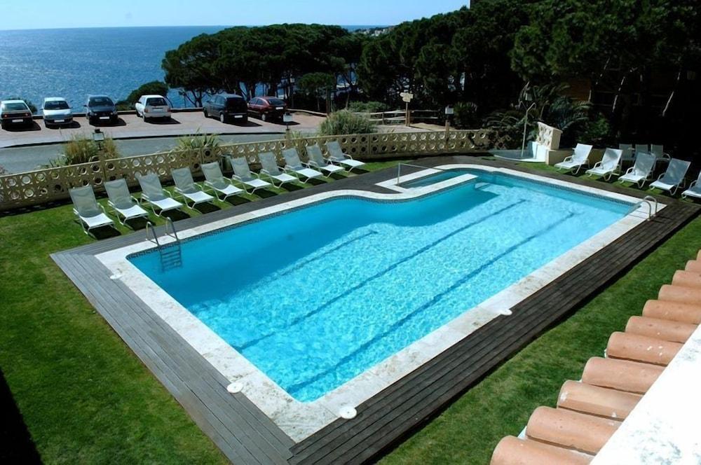 히포크라테스 쿠호텔(Hipócrates Curhotel) Hotel Image 20 - Outdoor Pool