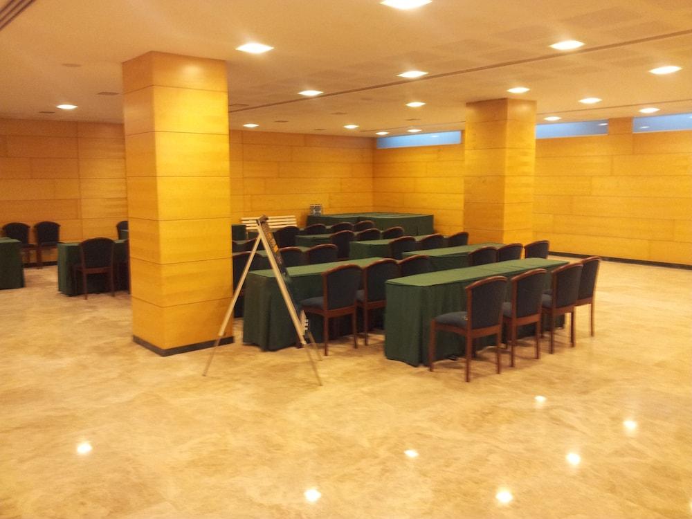 히포크라테스 쿠호텔(Hipócrates Curhotel) Hotel Image 43 - Meeting Facility