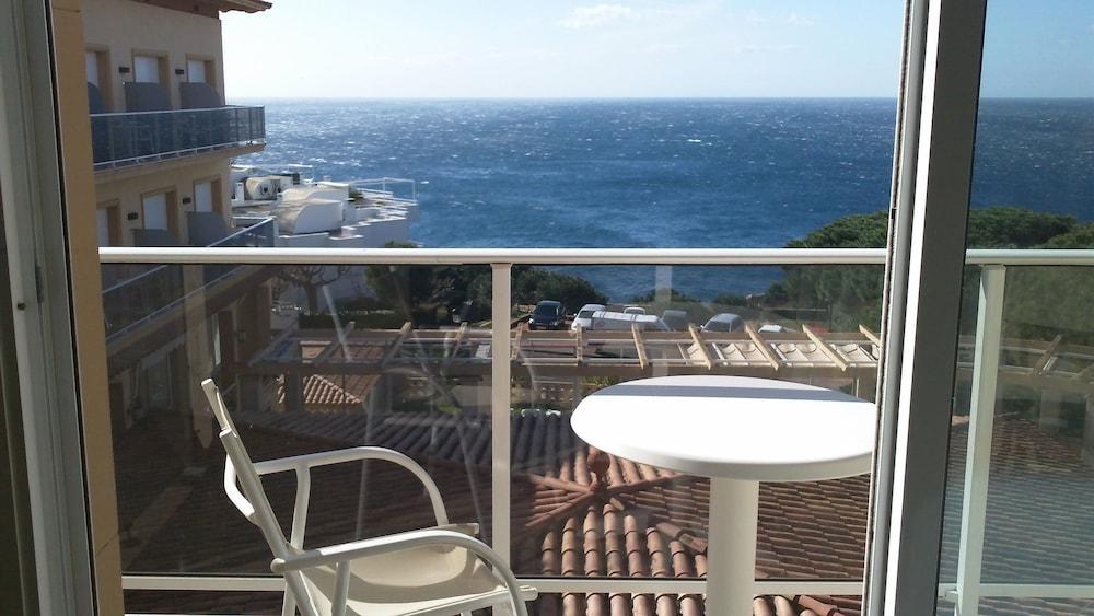히포크라테스 쿠호텔(Hipócrates Curhotel) Hotel Image 8 - Balcony