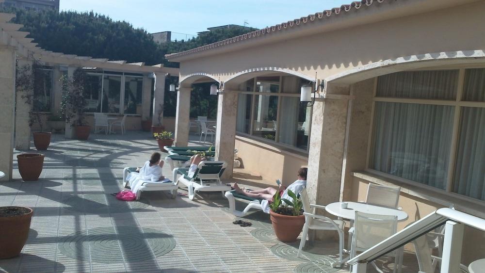 히포크라테스 쿠호텔(Hipócrates Curhotel) Hotel Image 49 - Terrace/Patio