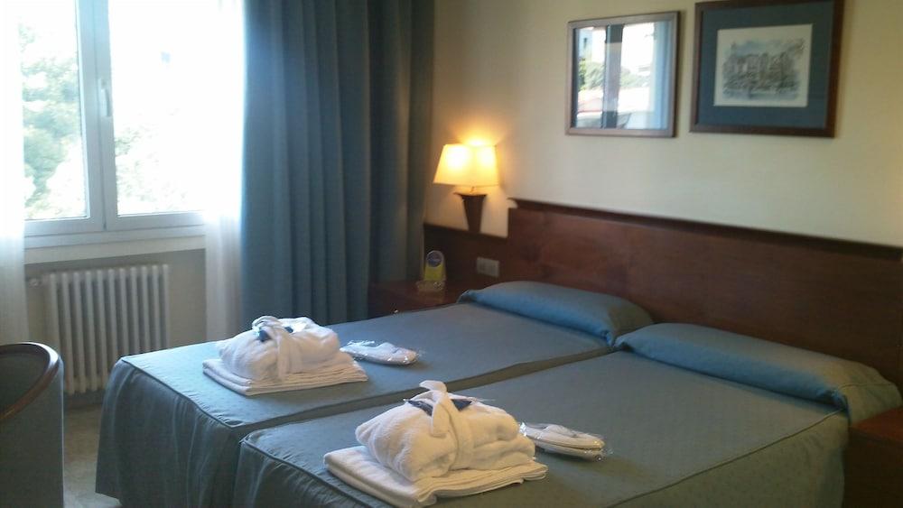히포크라테스 쿠호텔(Hipócrates Curhotel) Hotel Image 4 - Guestroom