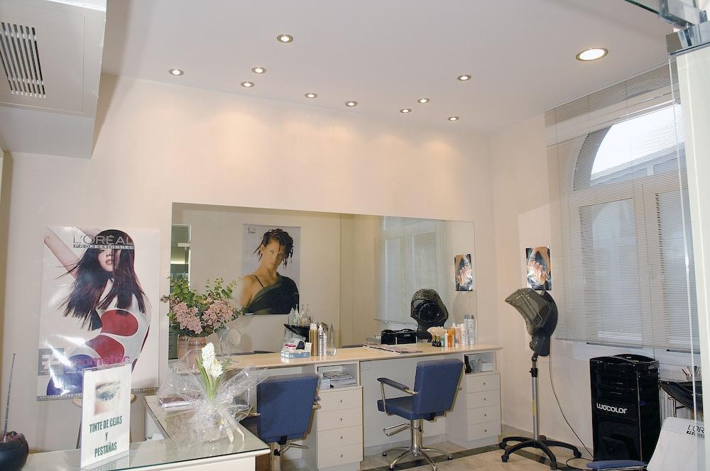 히포크라테스 쿠호텔(Hipócrates Curhotel) Hotel Image 26 - Hair Salon
