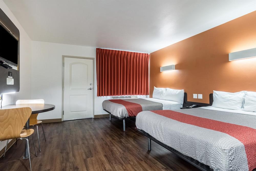 모텔 6 오션사이드 마리나(Motel 6 Oceanside Marina) Hotel Image 34 - Guestroom