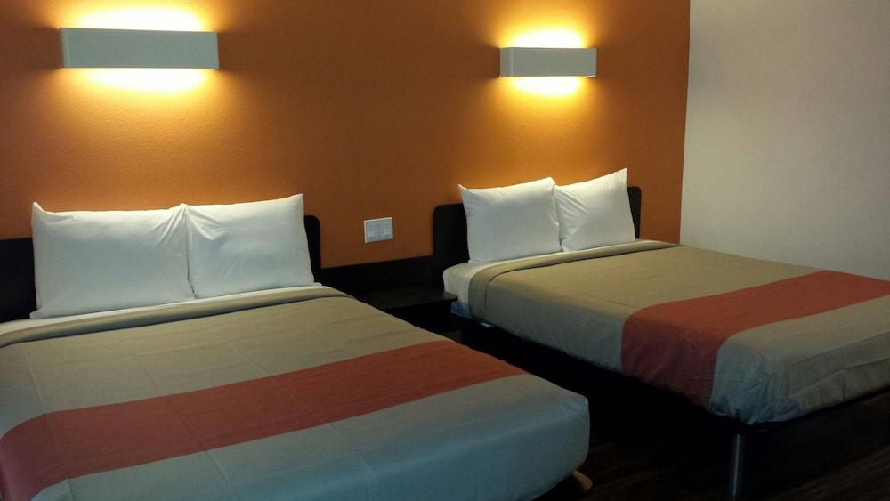 모텔 6 오션사이드 마리나(Motel 6 Oceanside Marina) Hotel Image 28 - Guestroom