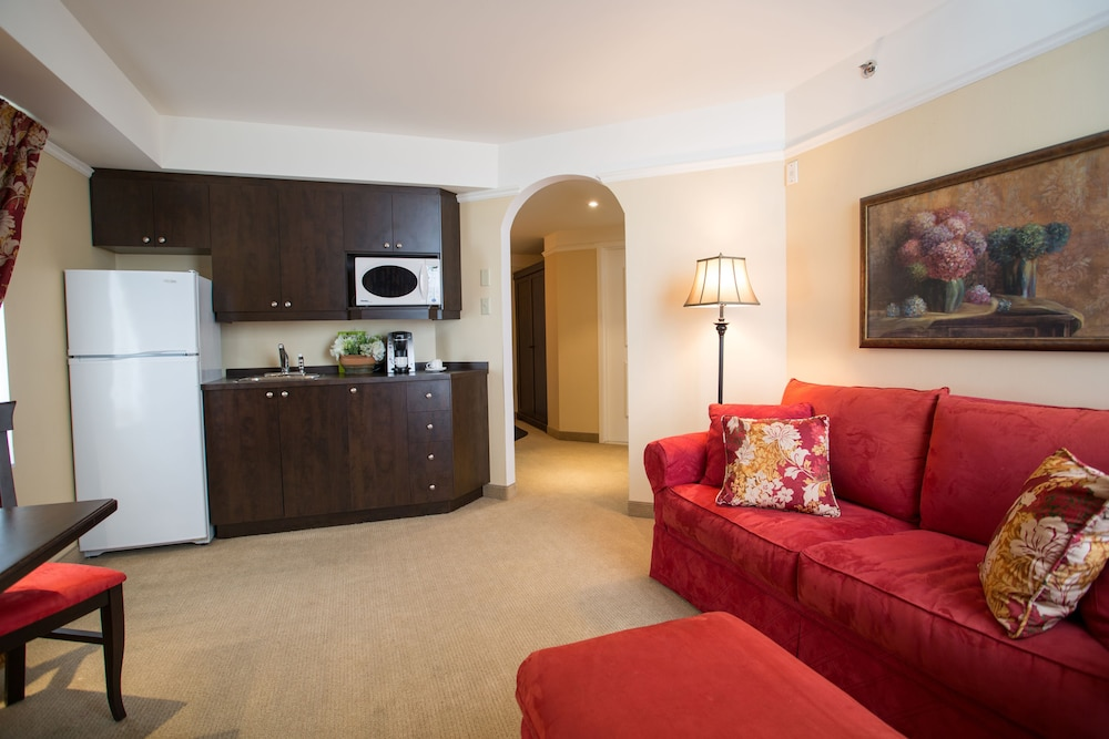 르 상-마르탱 브로몽 호텔 & 스위트(Le St-Martin Bromont Hotel & Suites) Hotel Image 21 - Living Area