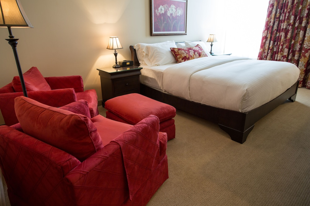 르 상-마르탱 브로몽 호텔 & 스위트(Le St-Martin Bromont Hotel & Suites) Hotel Image 13 - Guestroom