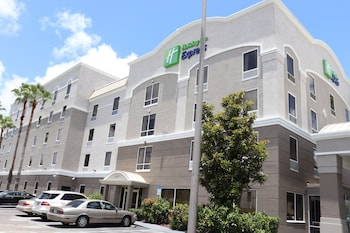 克利爾沃特US19北快捷假日&套房飯店 Holiday Inn Express Hotel & Suites Clearwater/Us 19 N