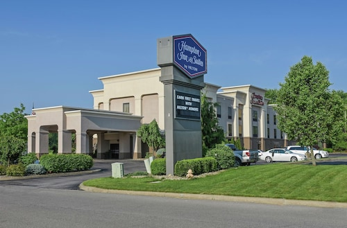 . Hampton Inn & Suites Youngstown-Canfield