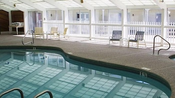 그린 그래닛 인(Green Granite Inn) Hotel Image 11 - Indoor Pool