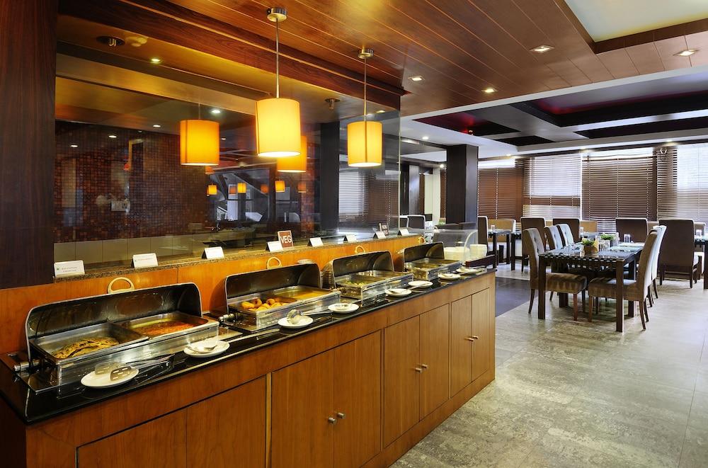 퀄리티 인 리버 컨트리 리조트(Quality Inn River Country Resort) Hotel Image 32 - Restaurant