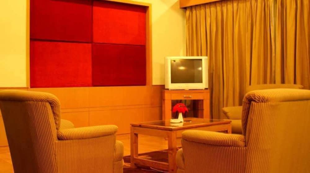 퀄리티 인 리버 컨트리 리조트(Quality Inn River Country Resort) Hotel Image 12 - Guestroom
