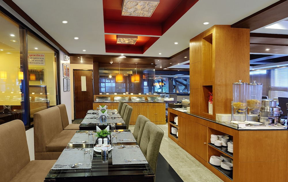 퀄리티 인 리버 컨트리 리조트(Quality Inn River Country Resort) Hotel Image 33 - Restaurant