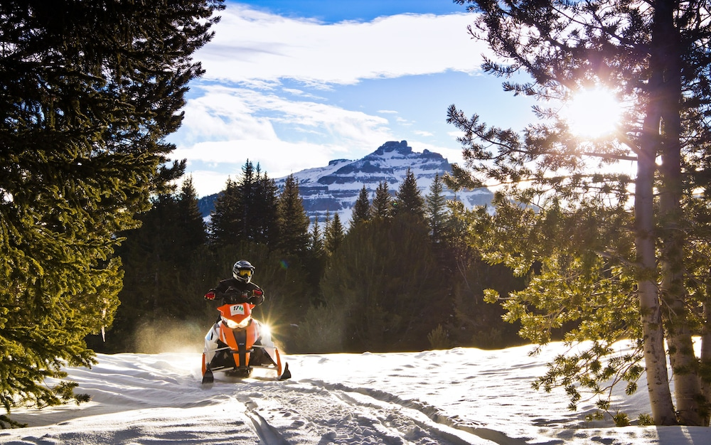 토고티 마운틴 로지(Togwotee Mountain Lodge) Hotel Image 29 - Snowmobiling