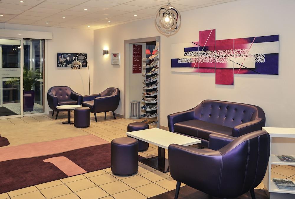 메르쿠르 리옹 에스트 샤포네(Mercure Lyon Est Chaponnay) Hotel Image 2 - Lobby