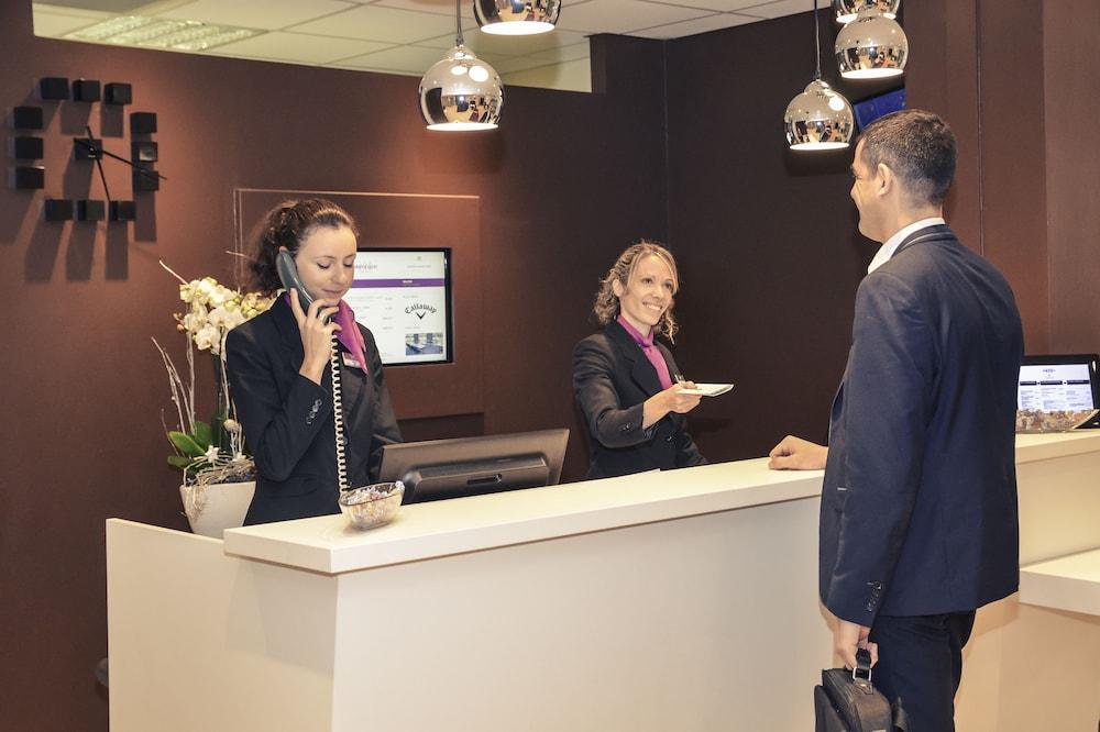 메르쿠르 리옹 에스트 샤포네(Mercure Lyon Est Chaponnay) Hotel Image 3 - Reception