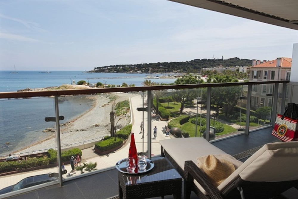 Suite : Suite, Terrace, Sea View (Mediterranean) 12 of 169
