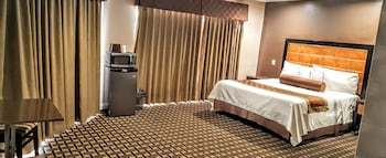 Romantic Suite, 1 King Bed, Non Smoking, Jetted Tub