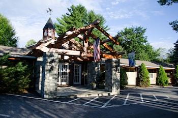 鄉村客棧 The Village Inn