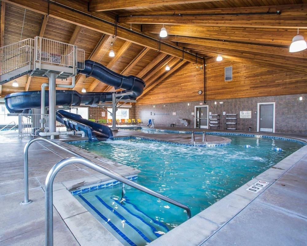컴포트 스위트 코럴빌(Comfort Suites Coralville) Hotel Image 0 - Featured Image