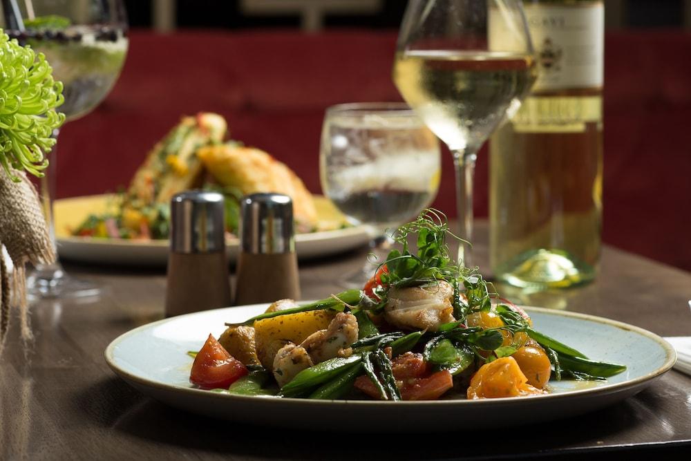 캐슬녹 호텔(Castleknock Hotel) Hotel Image 57 - Food and Drink