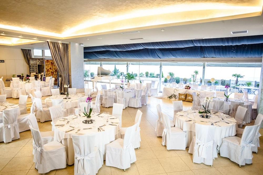 호텔 파노라마(Hotel Panorama) Hotel Image 48 - Banquet Hall
