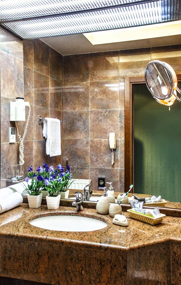 호텔 파노라마(Hotel Panorama) Hotel Image 34 - Bathroom