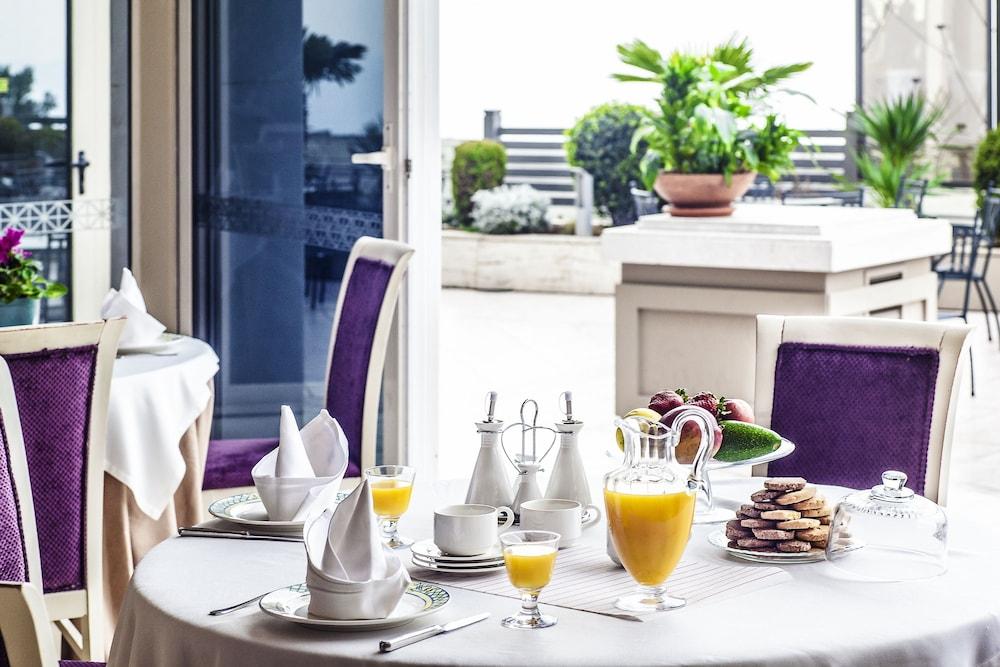호텔 파노라마(Hotel Panorama) Hotel Image 41 - Breakfast Area