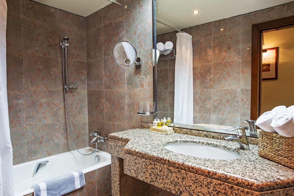 호텔 파노라마(Hotel Panorama) Hotel Image 35 - Bathroom