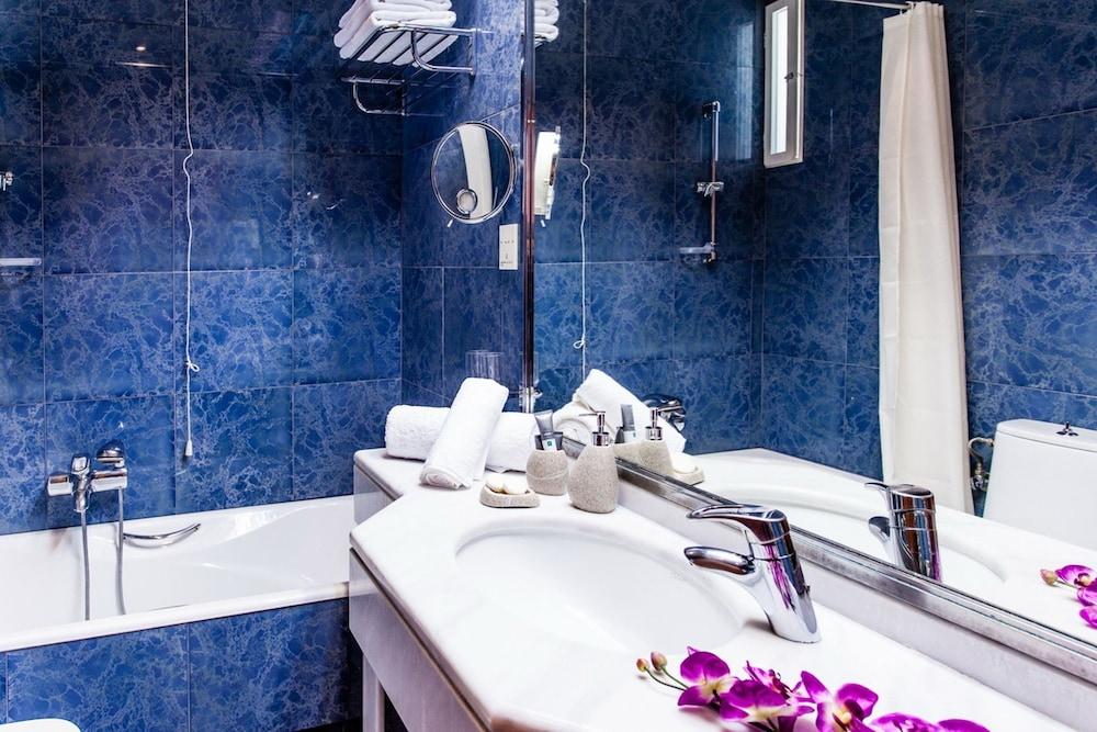 호텔 파노라마(Hotel Panorama) Hotel Image 36 - Bathroom
