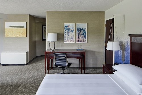 __{offers.Best_flights}__ Minneapolis Marriott West