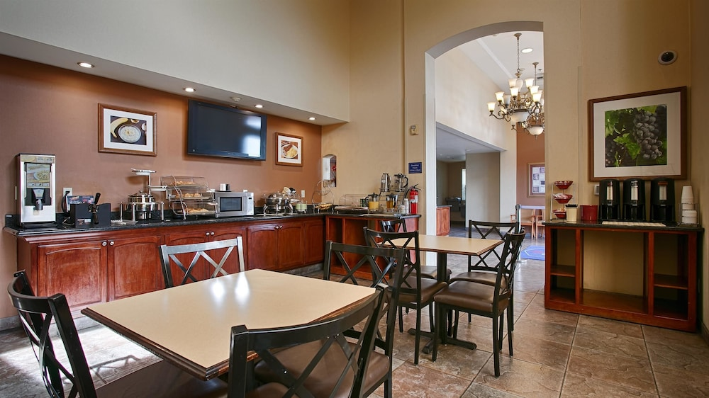 베스트 웨스턴 I-5 인 & 스위트(Best Western I-5 Inn & Suites) Hotel Image 20 - Breakfast Area