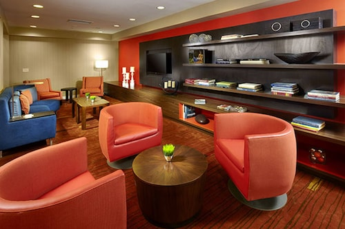 . Courtyard by Marriott Akron Stow