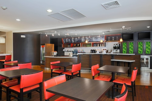 . Courtyard by Marriott Chico