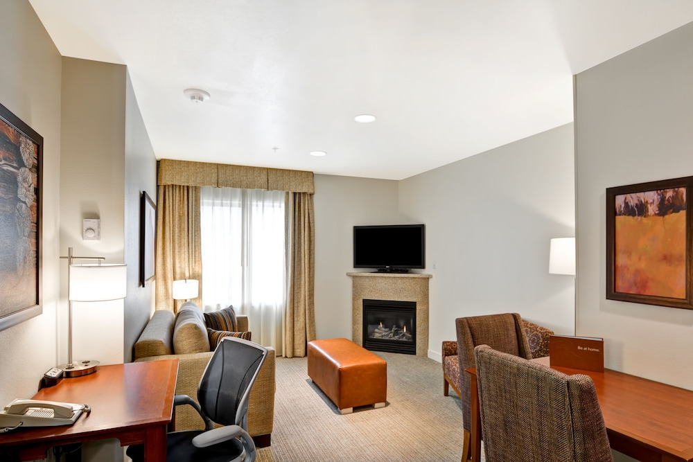 홈우드 스위트 바이 힐튼 잭슨(Homewood Suites by Hilton Jackson) Hotel Image 38 - Living Room