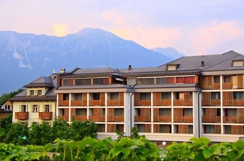 . Hotel Lovec