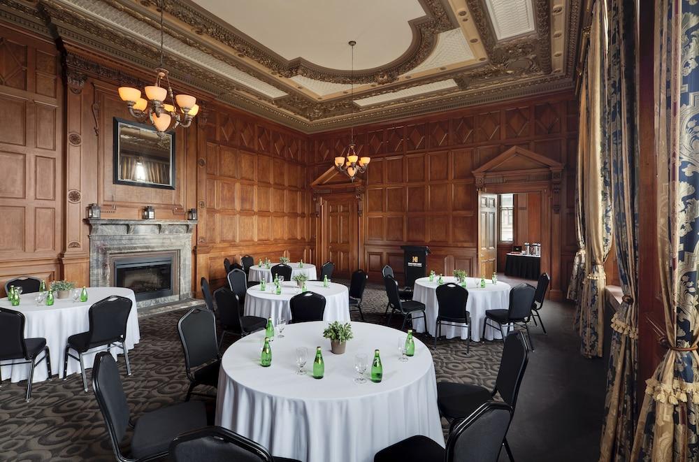 원 킹 웨스트 호텔 앤드 레지던스(One King West Hotel & Residence) Hotel Image 36 - Meeting Facility
