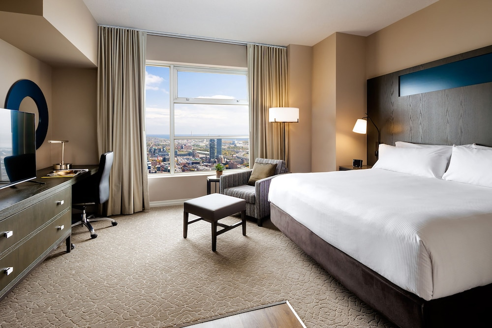 원 킹 웨스트 호텔 앤드 레지던스(One King West Hotel & Residence) Hotel Image 11 - Guestroom